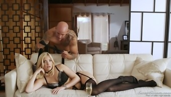 Wicked Everybody Alexis Fawx is amazing homemaker gets paid out by hubby with really hot sex