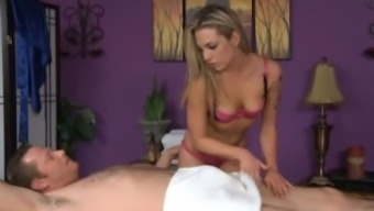 Bailey White Gives a Happy Ending Massage session