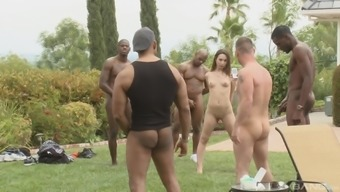 Nasty babe Amber Rayne wants to fuck with more guys outdoors