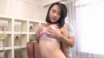 Makimura Megumi gets her pussy licked and pleased by horny dude